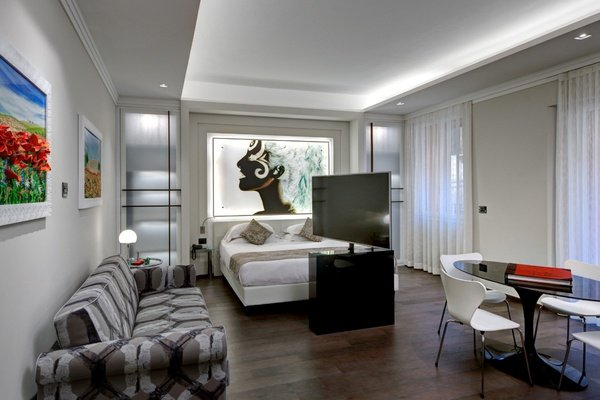 Luxury apartments  art hotel commercianti bologna