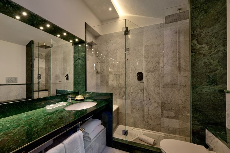 Suites  art hotel commercianti bologna
